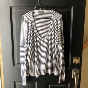 ❤️Brandy Melville Navy and White Striped Shirt (S)